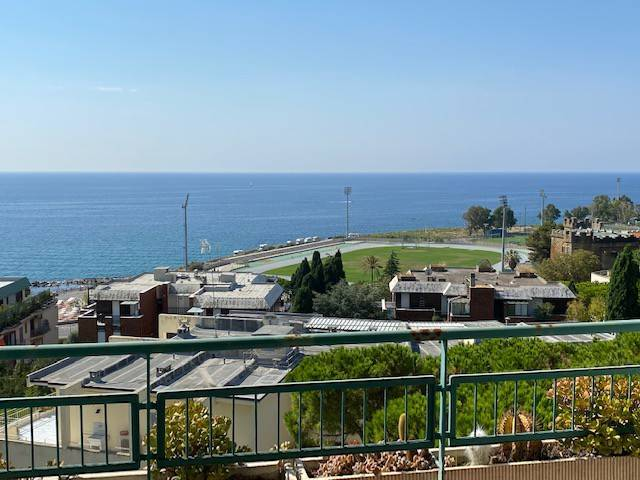 Quadrilocale via Padre Semeria 103, Sanremo