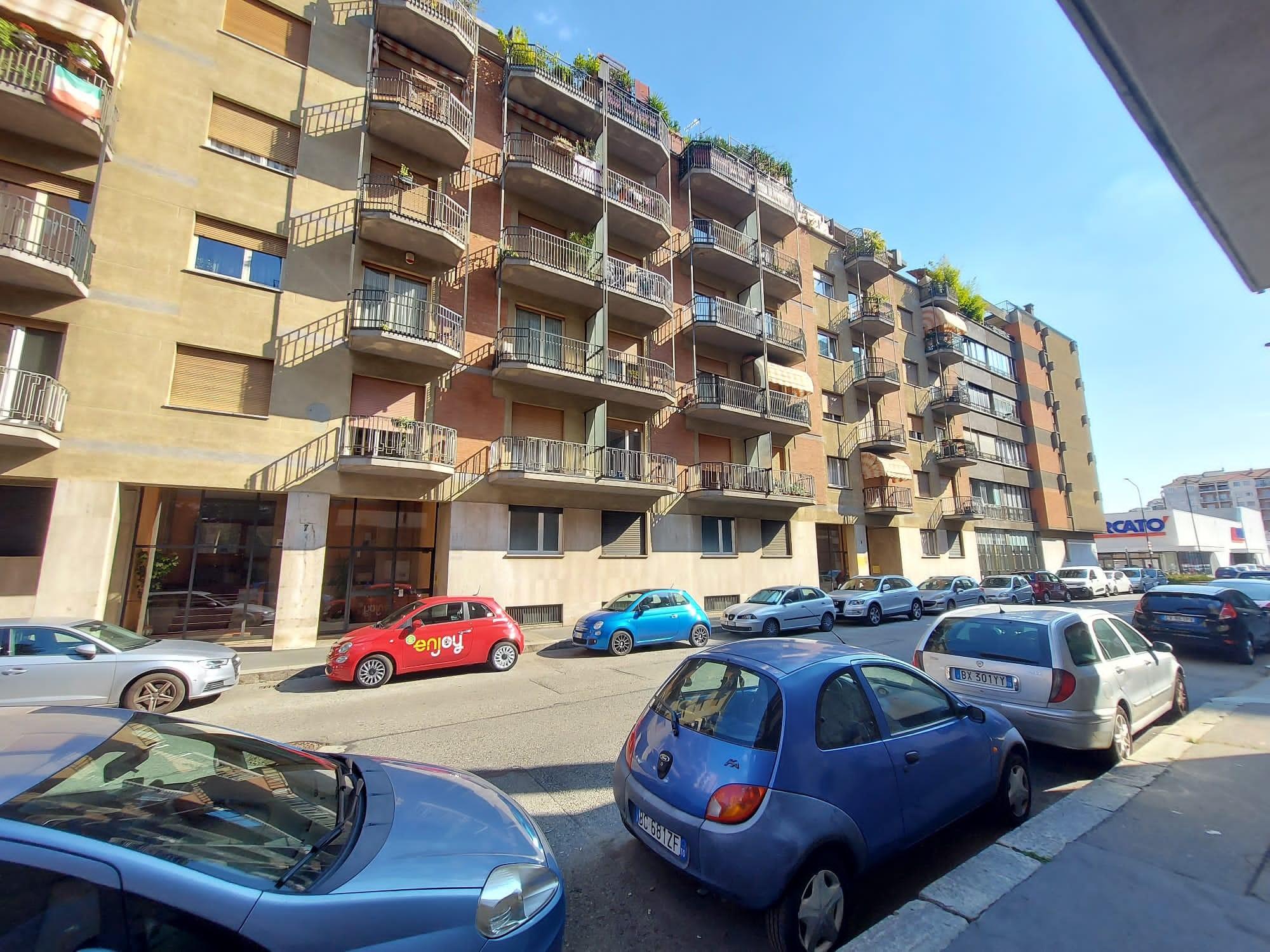 Trilocale Via Lima 9, Torino